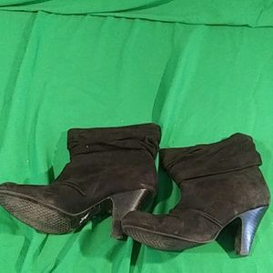 Jessica Simpson soft suede heel boots size 8